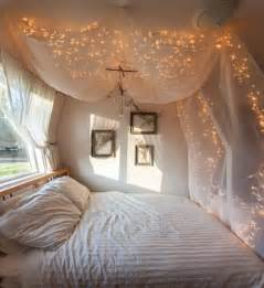 bedrooms with lights 25 best ideas about canopy bed curtains on pinterest