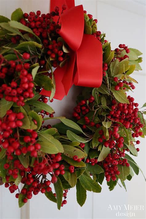 amazingly chic christmas wreaths b lovely events