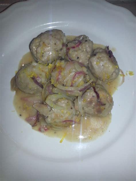 come cucinare le polpette di carne in bianco ricetta polpette di maiale con cipolla in bianco in cucina