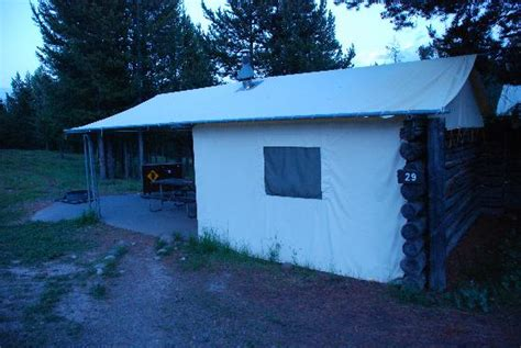 Colter Bay Tent Cabins by Heater Picture Of Colter Bay Grand Teton
