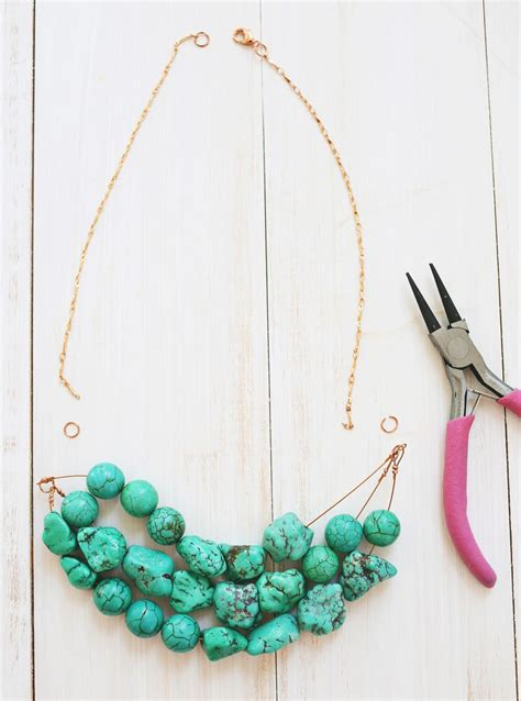 How to Make a Simple Beaded Necklace ? A Beautiful Mess