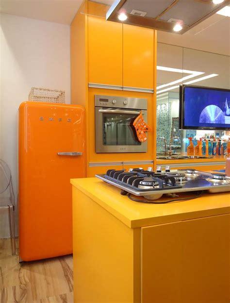 Retro Kitchen Design by Kitchen Design Ideas With Retro Refrigerators That Steal