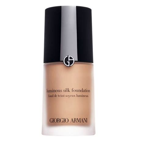 Makeup Giorgio Armani luminous silk foundation giorgio armani kicks