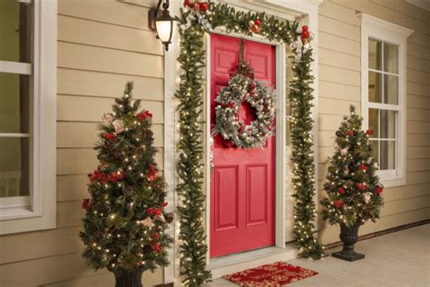 10 best outdoor holiday decorating ideas