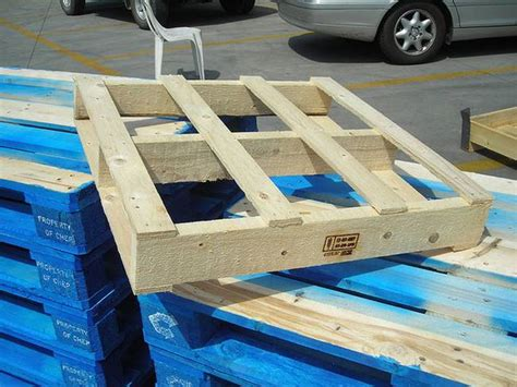 Diy How To Tell If A Pallet Is Safe To Re Use Treehugger
