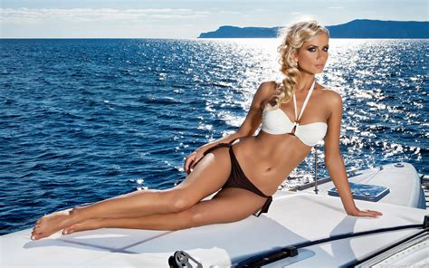 yacht girls girls and yachts desktop wallpapers hd and wide wallpapers