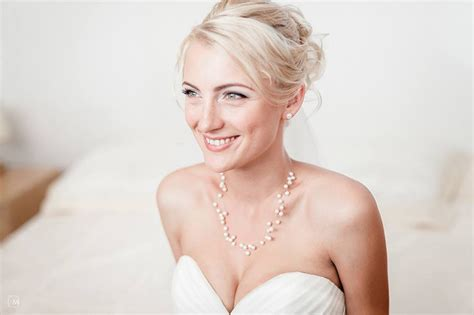 Wedding Hairstyles Abroad by Hairstyle Tips For Brides Planning Their Wedding In Italy