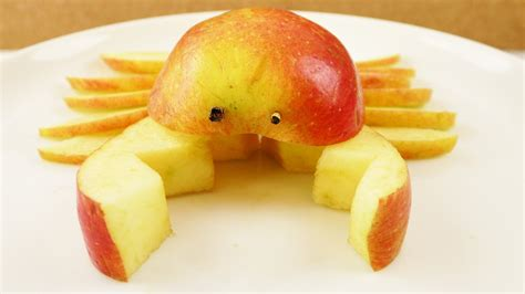 Diy Hacks Youtube by Apfel Life Hacks Lustige Krabbe Mit Messer In Apfel