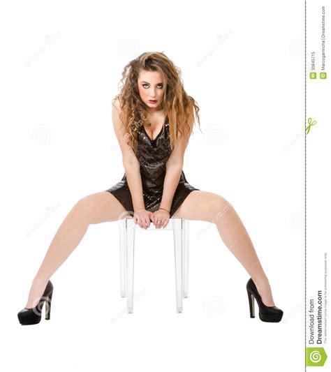 foto di donne sedute a gambe aperte seduta della donna e gambe aperte immagine stock