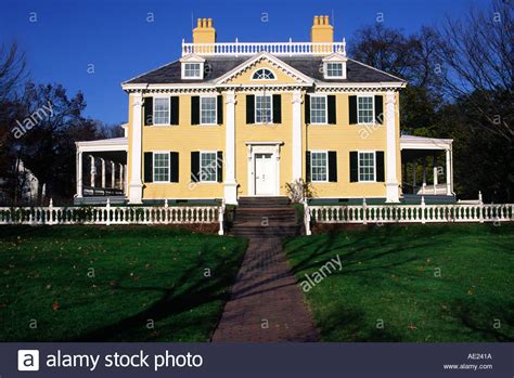 wadsworth longfellow house henry wadsworth longfellow house cambridge massachusetts stock photo royalty free