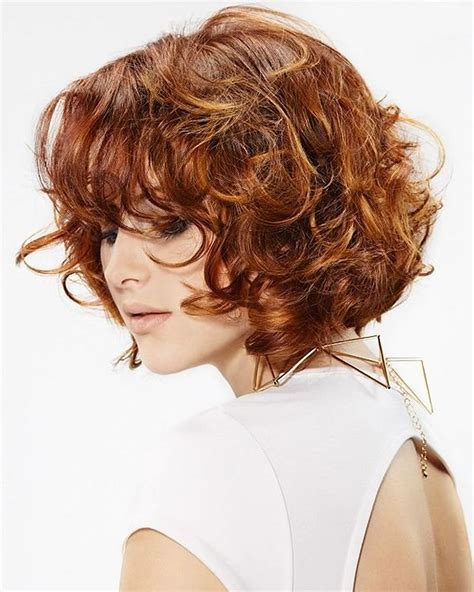 suitable hairstyles for face shapes curly or wavy short haircuts for 2018 25 great short bob