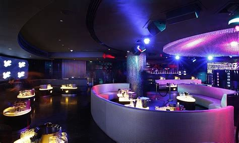 The Living Room Nightclub Dubai Burj Al Arab Hotel Dubai 25 Reasons To Spend Holidays