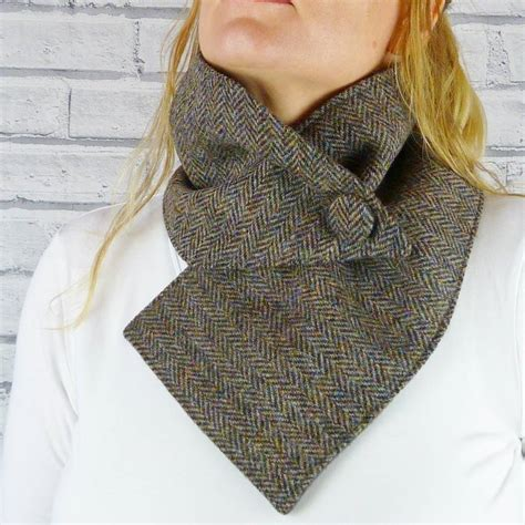 harris tweed buttoned scarf by moaning minnie