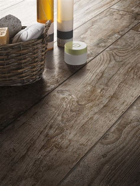 piastrelle wood best 25 wood look tile ideas on wood looking