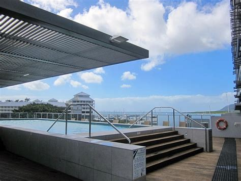 cairns lights cairns luxury apartments harbour lights complex best rates