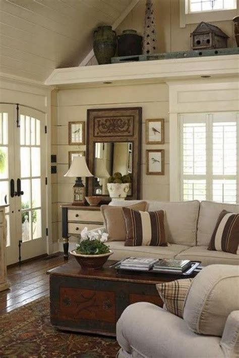 Vaulted Ceiling Decorating by Best 20 Country Living Room Ideas On