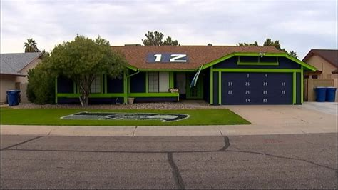 Seahawks House by Seahawks Fan Paints House To Show Team Pride