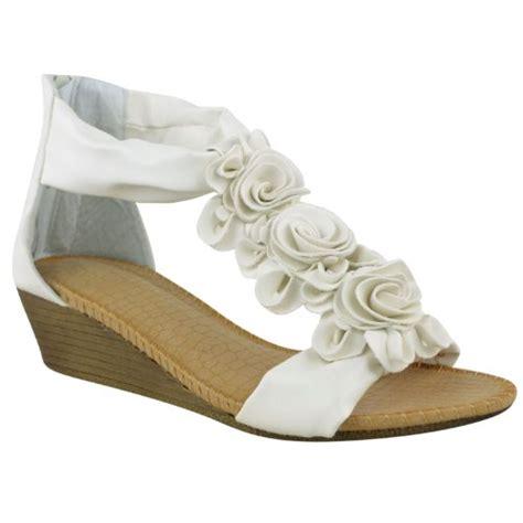 womens summer sandals strappy flower low heel flat