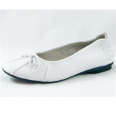 white leather flat shoes reduced to 20