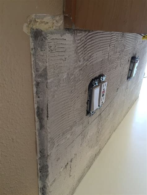 Mortar Thickness For Floor Tile by Help Backsplash Has Thick Mortar Underneath What Should