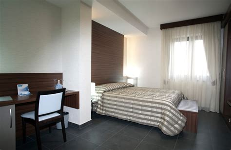 hotel con vasca idromassaggio doppia vasca idromassaggio in da letto hotel sorriso