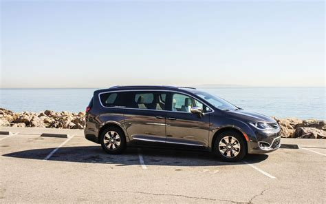 Chrysler Makes by Chrysler Makes Its Pacifica Minivan Electric Sometimes