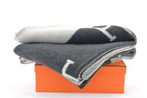 the hermes avalon blanket hermes avalon blanket couch gris clair noir at 1stdibs