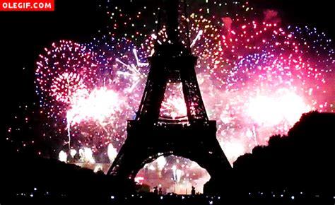 imagenes gif que son gif qu 233 bonitos son los fuegos artificiales en la torre