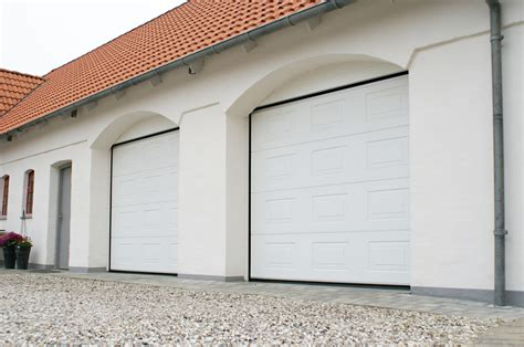 Sectional Overhead Garage Door The Door Industry Journal Jd Uk Ltd Seminar On Alutech 45mm Insulated Sectional