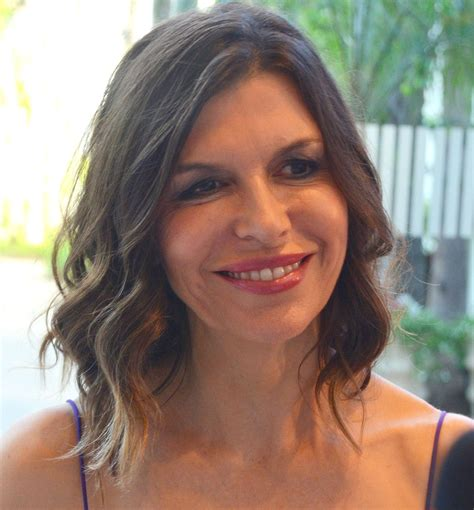 anna devine new hairstyle on gh finola hughes wikipedia