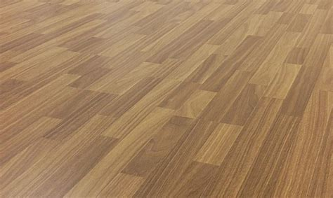 laminate flooring that can get wet wood floors