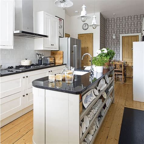 traditional kitchen with island unit decorating