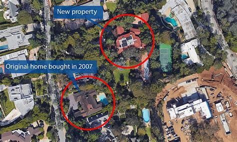 Two Car Garage With Apartment Amazon Ceo Jeff Bezos Expands Beverly Hills Estate Daily