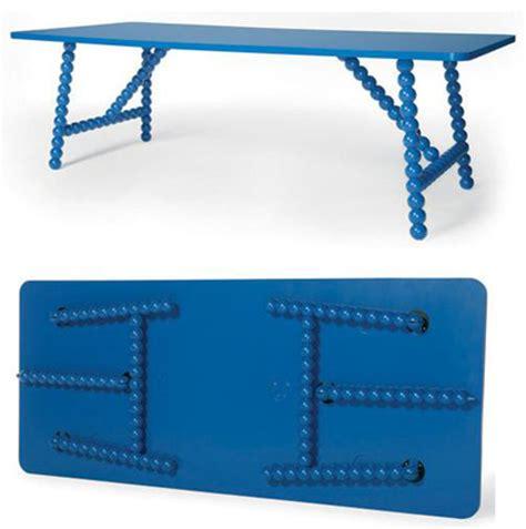 tavoli in plastica pieghevoli tavoli pieghevoli balls di moooi designbuzz it