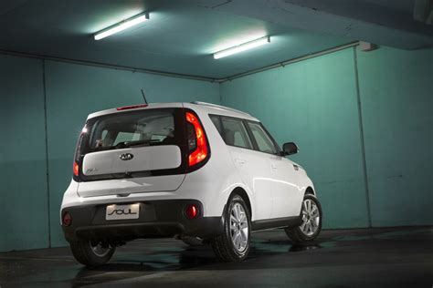 Kia Soulster Price Kia Soul Sharper Price And Looks For Kia Soul Goauto