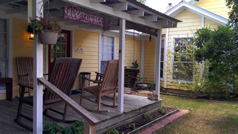 salado bed and breakfast yellow house bed and breakfast salado texas another wine blog