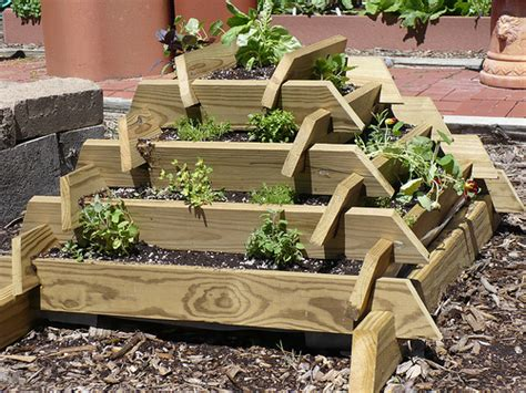 Strawberry Planter Plans by Plans To Build Pyramid Garden Planter Plans Pdf Plans