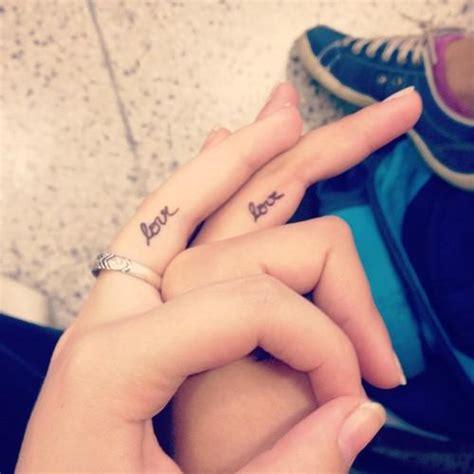 tattoo love finger tatuajes inspiradores para san valent 237 n