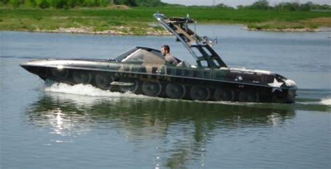 boat black water tank blog ultimate boat wrapsthe malibu mxz tank boat on water