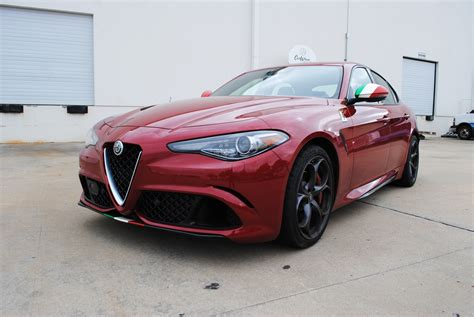 alfa romeo giulia italian flag vinyl accents car wrap city