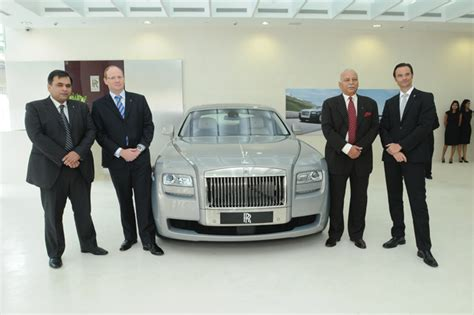 roll royce delhi rolls royce opens delhi dealership autocar india