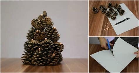 gorgeous christmas tree   pinecones diy crafts
