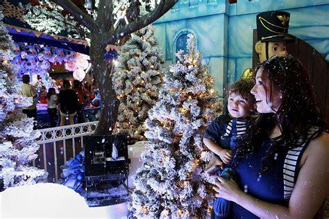 xmas lights eurekaca lights santa s magical kingdom in eureka