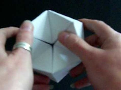 Paper Folding Tricks - look what i made an amazing paper trick