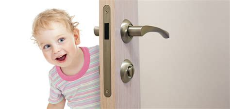 Child The Doors by How To Baby Proof All Types Of Doors Parent Guide