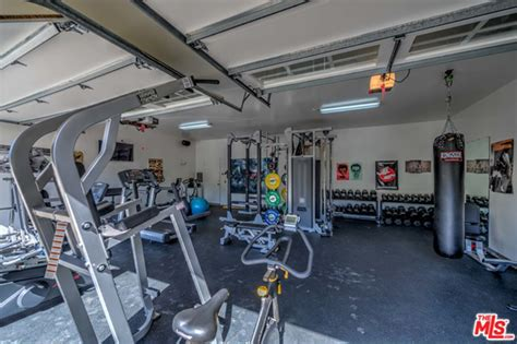 celebrity home gyms the malibu home of elsa pataky and chris hemsworth