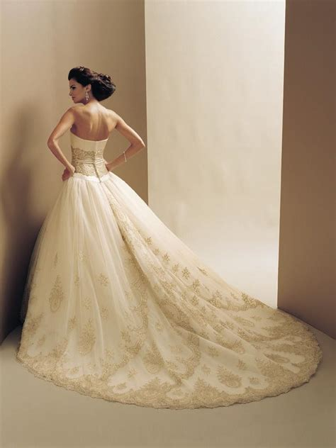 Designer Wedding Dresses Gowns by Best Designer Wedding Dresses