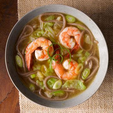 buckwheat noodle soup with shrimp and scallions | fitness