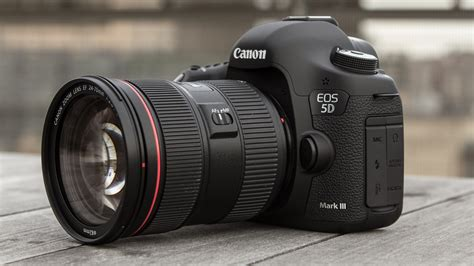 Kamera Canon Eos 7d Iii canon eos 5d iii chomping darkness slaying gizmodo australia