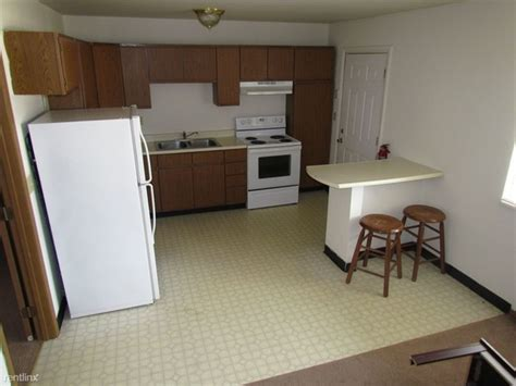 one bedroom apartments normal il 909 market st normal il 61761 rentals normal il